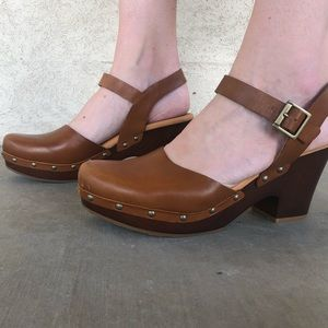 Kork's clogs PERFECT condition